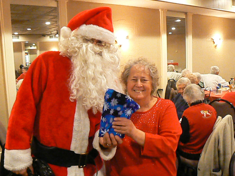 Дед мороз берет подарки 100 к 1 47