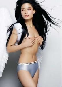 Remember her platinum undies?